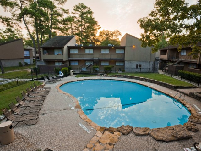 Trailwood Village Apartments for Rent in Kingwood, TX | Community Pool