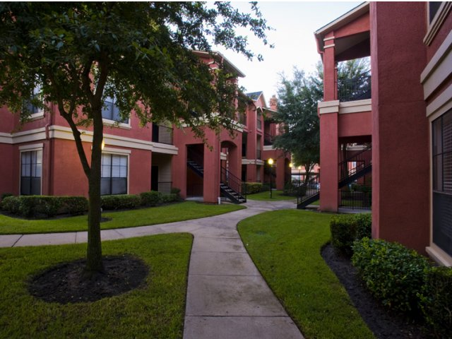 The Retreat at Eldridge Apartments for Rent in Houston, TX | Apartment Walkways