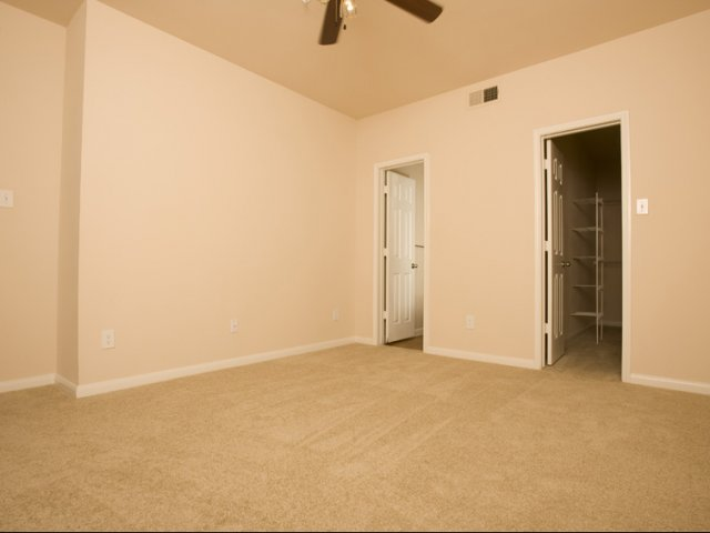 The Retreat at Eldridge Apartments for Rent Houston, TX | Bedroom