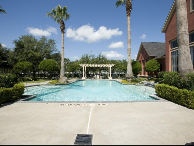 The Retreat at Eldridge Apartments for Rent in Houston, TX | Swimming Pool
