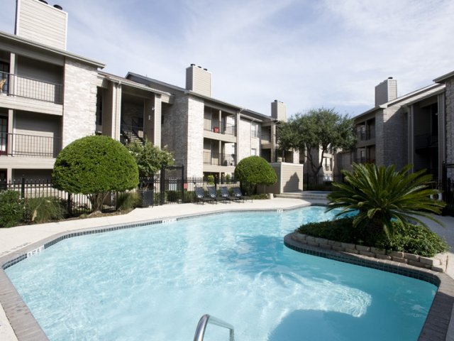 Cimarron Parkway | Apartments For Rent in Katy, TX | Swimming Pool