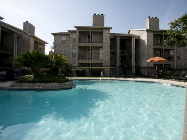 Cimarron Parkway | Apartments For Rent Katy, TX | Community Pool