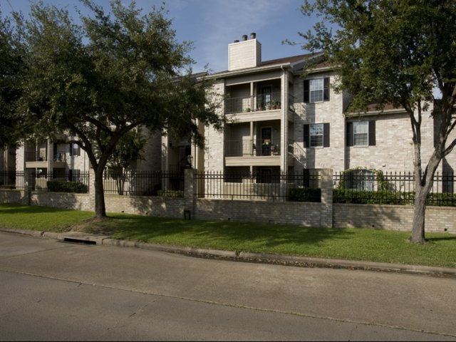 Cimarron Parkway | Apartments For Rent Katy, TX | Apartment Building Exterior