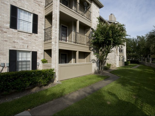 Cimarron Parkway | Apartments For Rent Katy, Texas | Exterior of Buildings