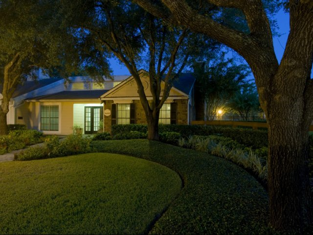 Hunt Club at Pin Oak   Katy, TX Apartments For Rent   Leasing Office at Night
