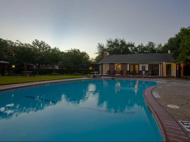 Hunt Club at Pin Oak | Apartments For Rent in Katy, TX | Community Swimming Pool
