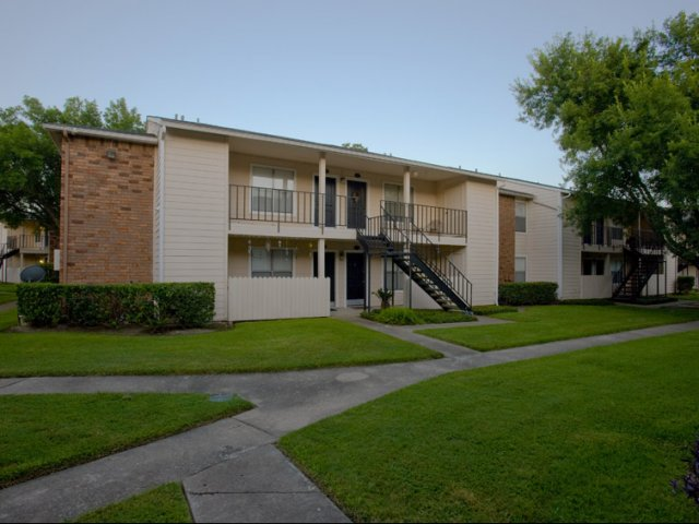 Hunt Club at Pin Oak   Apartments For Rent in Katy, TX   Private Patios and Balconies