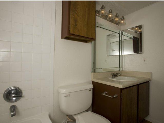 Hunt Club at Pin Oak   Katy, TX Apartments For Rent   Bathroom
