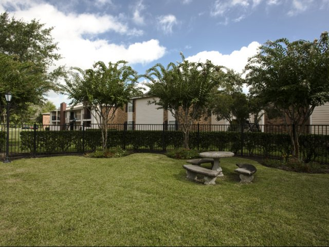 Hunt Club at Pin Oak   Apartments For Rent in Katy, TX   Picnic Area