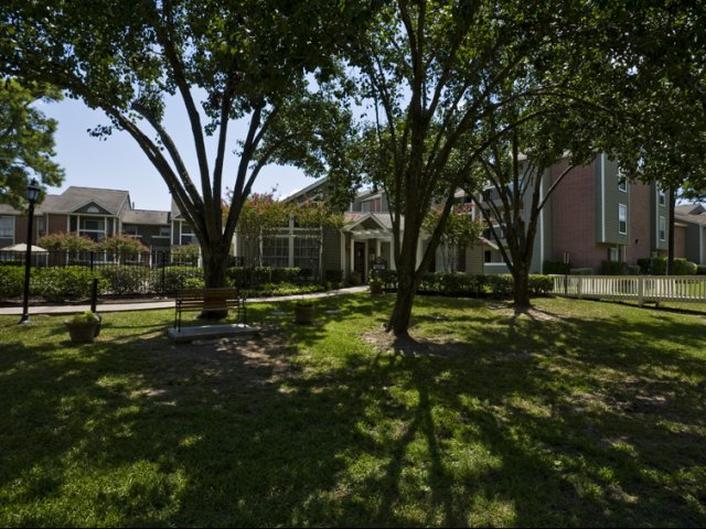 Brandon Oaks | Apartments for Rent Cypress, TX | Pet Friendly Courtyards