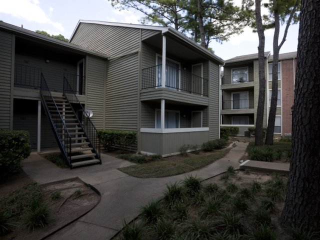 Brandon Oaks | Cypress, Texas Apartment Rentals | Private Patios or balconies