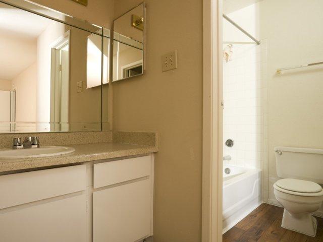 Brandon Oaks | Apartment Rentals Cypress, Texas | Bathroom