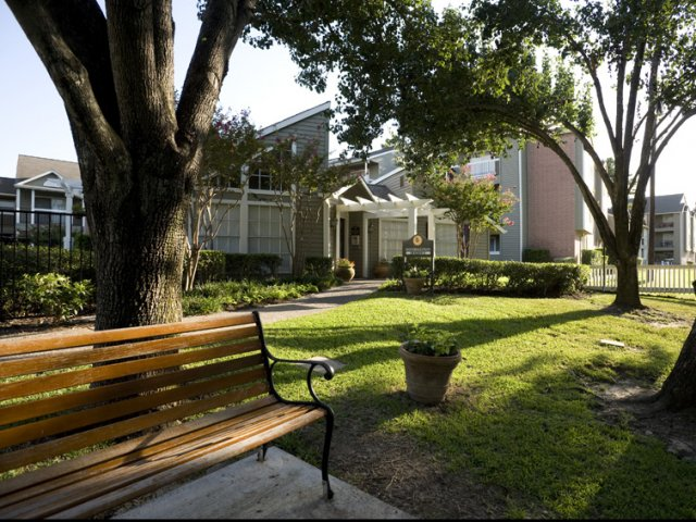 Brandon Oaks | Apartments for Rent Cypress, TX | Professionally Landscaped Grounds
