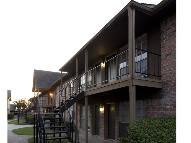 Steeplechase | Apartments for Rent in Alvin, TX | Private Patios and Balconies