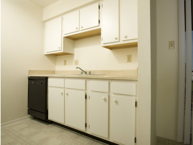 Steeplechase | Apartments for Rent in Alvin, TX | Kitchen Cabinets