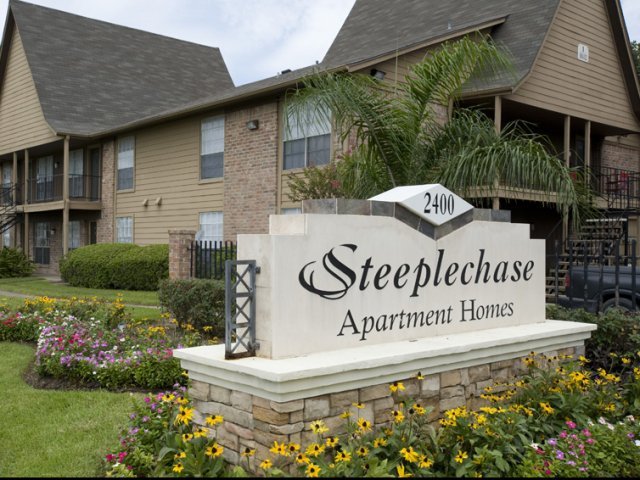 Steeplechase | Apartments for Rent in Alvin, TX | Entrance Sign