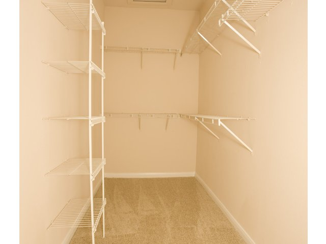 The Retreat at Eldridge Apartments in Houston, TX | Walk-In Closets