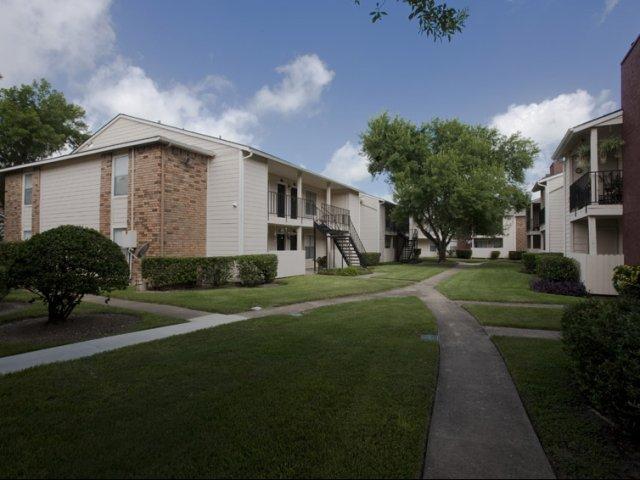 Hunt Club at Pin Oak   Apartments For Rent Katy, TX   Exterior Buildings