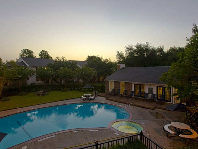 Hunt Club at Pin Oak | Katy, TX Apartments For Rent | Swimming Pool and Sundeck