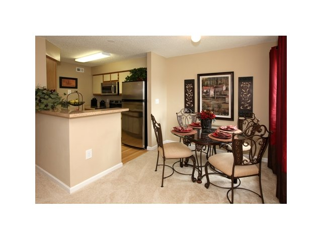 Fairlake at Weston | Apartments for Rent Weston, FL | Furnished Dining Area