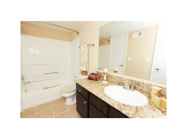 Fairlake at Weston | Apartment Rentals in Weston, FL | Premium Bathrooms