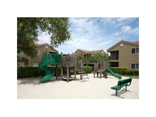 Fairlake at Weston | Apartments in Weston, FL | Community Playground