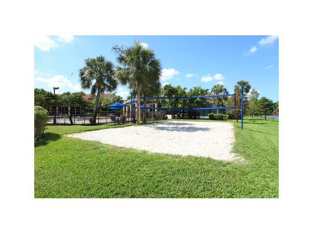 Fairlake at Weston | Weston, FL Apartments for Rent | Volleyball Court