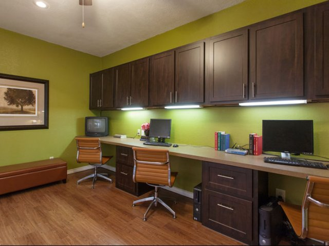 The Parks at Treepoint | Apartments For Rent in Arlington, TX | Business Center