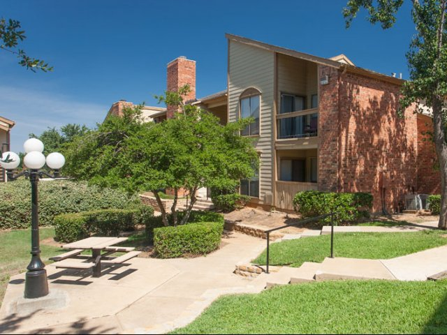 The Parks at Treepoint | Apartments For Rent in Arlington, TX | Picnic Area