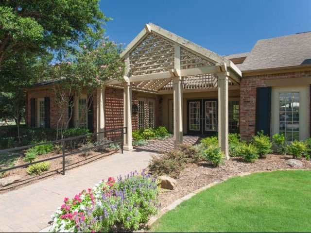 The Parks at Treepoint | Apartments For Rent in Arlington, TX | Leasing Office