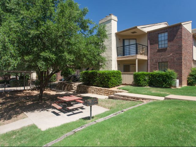 The Parks at Treepoint | Apartments For Rent in Arlington, TX | Grilling Station