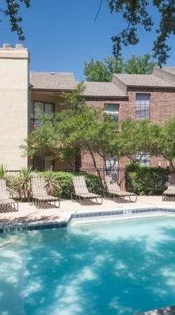 The Parks at Treepoint | Apartments For Rent in Arlington, TX | Exterior Buildings and Pool