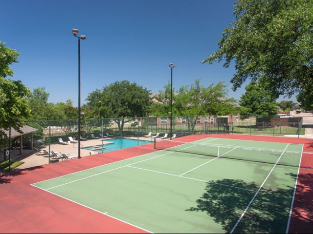Canyon Ridge | Apartments in Rockwall, Texas | Lighted Tennis Court