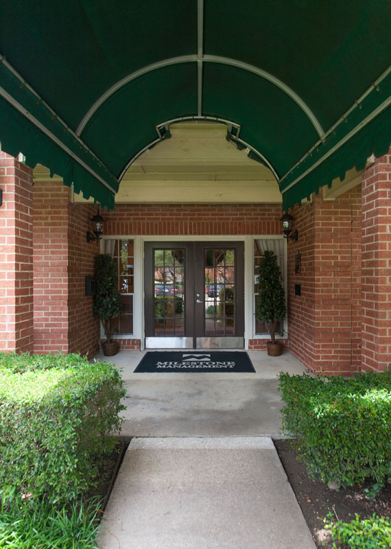 Summers Landing Apartments for Rent in Fort Worth, TX | Entrance to Leasing Office