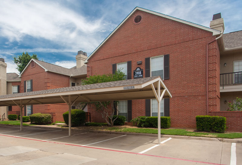 Summers Landing | Apartments for Rent in Fort Worth, TX | Covered Parking