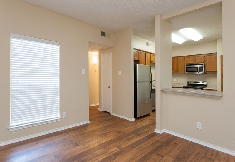 Summers Landing Apartments for Rent in Fort Worth, TX | Living Room and Kitchen