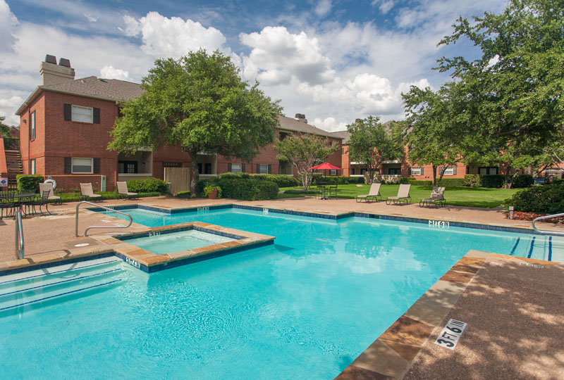 Summers Landing Apartments for Rent in Fort Worth, TX | Community Pool