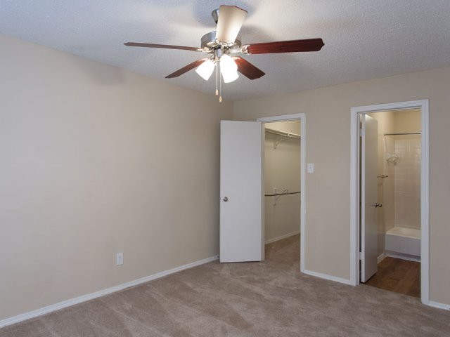 Arbor Creek | Apartment Rentals in Lewisville, Texas | Bedroom
