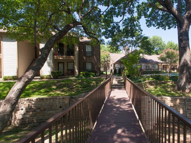 Arbor Creek | Apartments for Rent in Lewisville, Texas | Scenic Views