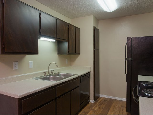 Arbor Creek | Apartments for Rent in Lewisville, TX | Kitchen