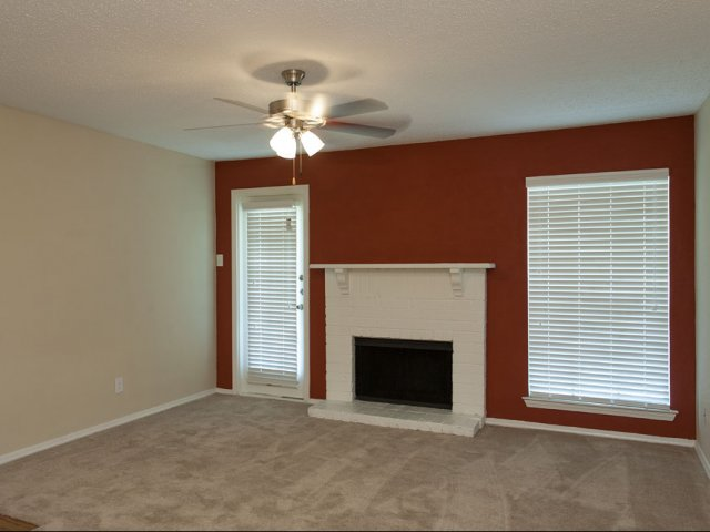 Arbor Creek | Apartments for Rent Lewisville, Texas | Living Room