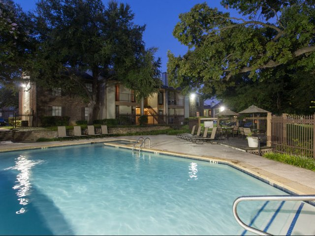 Arbor Creek | Apartment Amenities in Lewisville, Texas | Community Pool