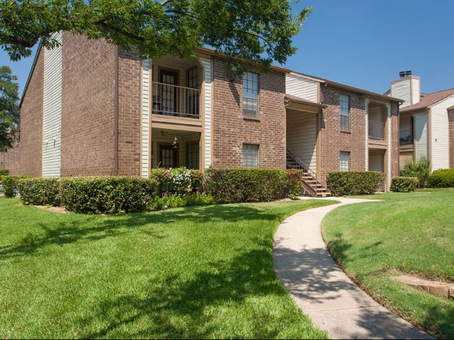 Arbor Creek | Apartments for Rent Lewisville, TX | Exterior