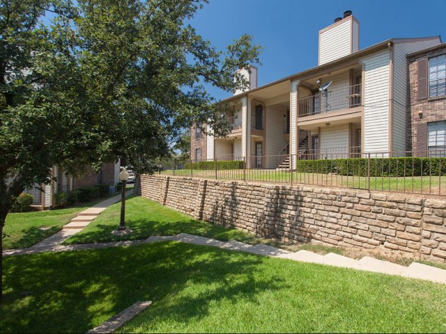 Arbor Creek | Apartments for Rent in Lewisville, Texas | Exterior