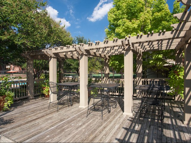 Summers Crossing | Apartments for Rent in Plano, TX | Sundeck with furniture