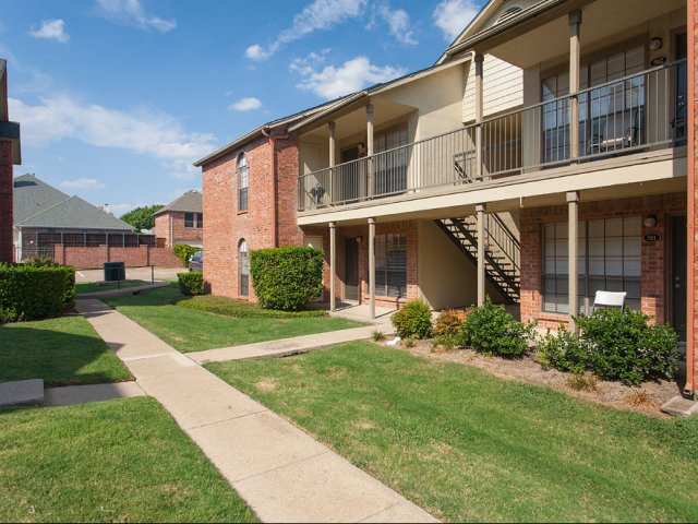 Summers Crossing | Apartments for Rent in Plano, TX | Building Exteriors with Patios