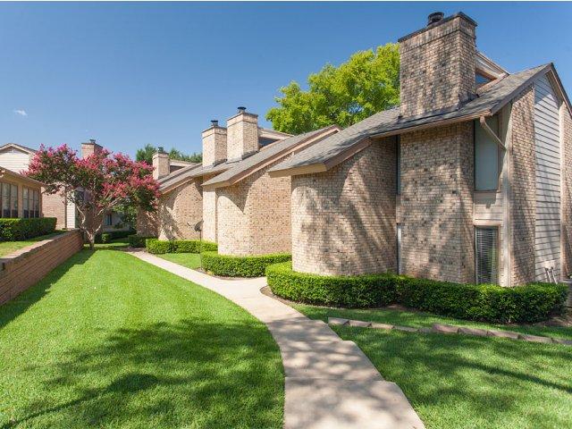 Preston Greens | Apartments For Rent in Dallas, TX | Apartment Exteriors
