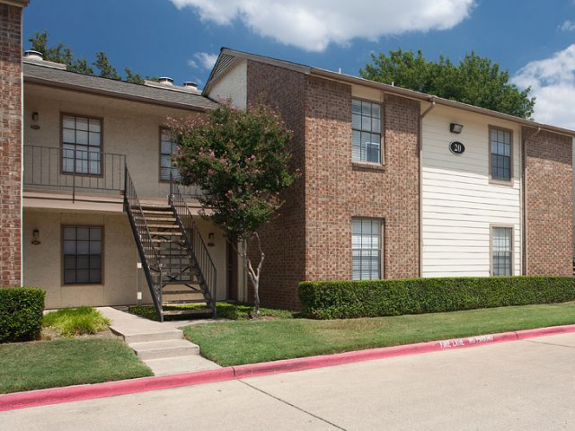 Summer Villas Apartments for Rent in Dallas, TX | Apartments Exterior