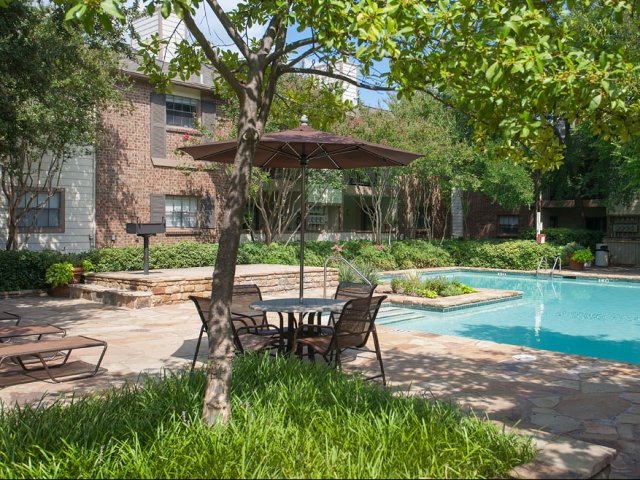 Summer Villas Apartments for Rent in Dallas, TX | Picnic Areas