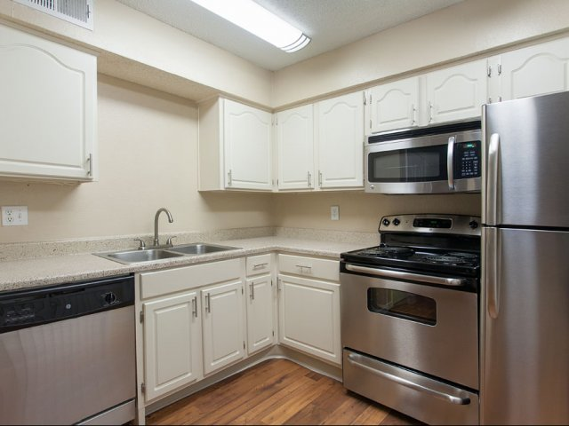 Summer Villas Apartments For Rent in North Dallas, TX | Kitchen